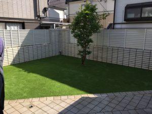 施工した芝生がキレイに馴染んできたお庭